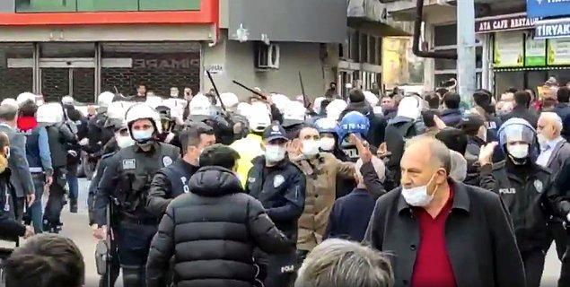 Prof. Dr. Melih Bulu'ya karşı eylemlerde tutuklananlara destek için toplanan vatandaşlara polis müdahale etti.