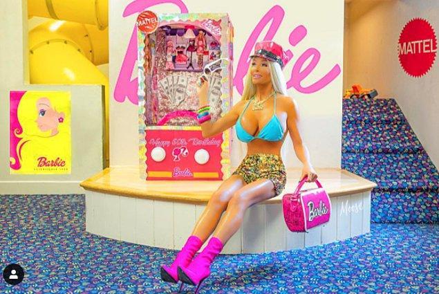 """""""Barbie'ye benzemek için muhtemelen bir milyon dolardan fazla harcadım. Evet çok pahalı ama buna değer. Ayrıca ben tüm bunları hak ediyorum."""""""
