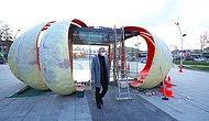 Sakarya Belediyesi Yaratıcılığın Sınırlarını Zorluyor: Kent Meydanına Dev Kabak Gündem Oldu