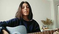 Kızı Gitar Performansını Videoya Kaydederken 'Çok Güzeldi' Diyerek Odaya Giren Babanın Muhteşem Anları