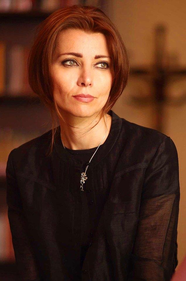 Elif Şafak!