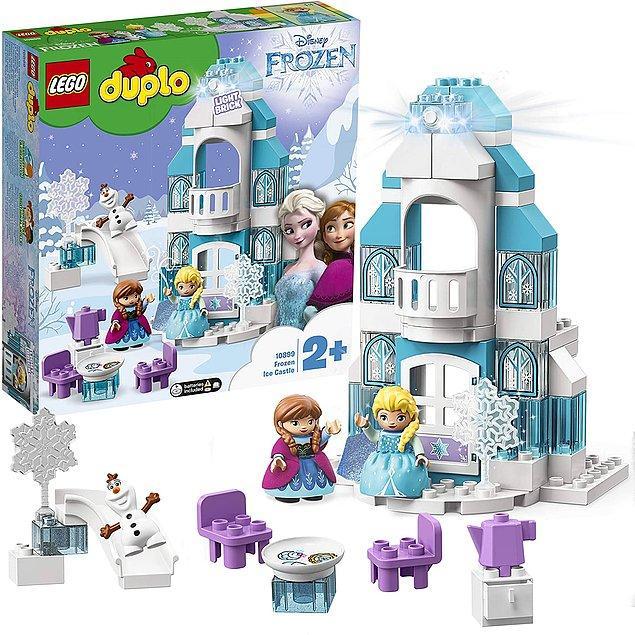25. Anna, Elsa ve Olaf figürlerinin de içinde olduğu 2 yaştan itibaren çocukların güvenle oynayabileceği Lego Duplo serisinin en sevimli setlerinden biri bu.
