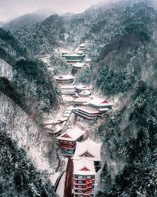 13. Güney Kore'nin karlı dağları... Guinsa.