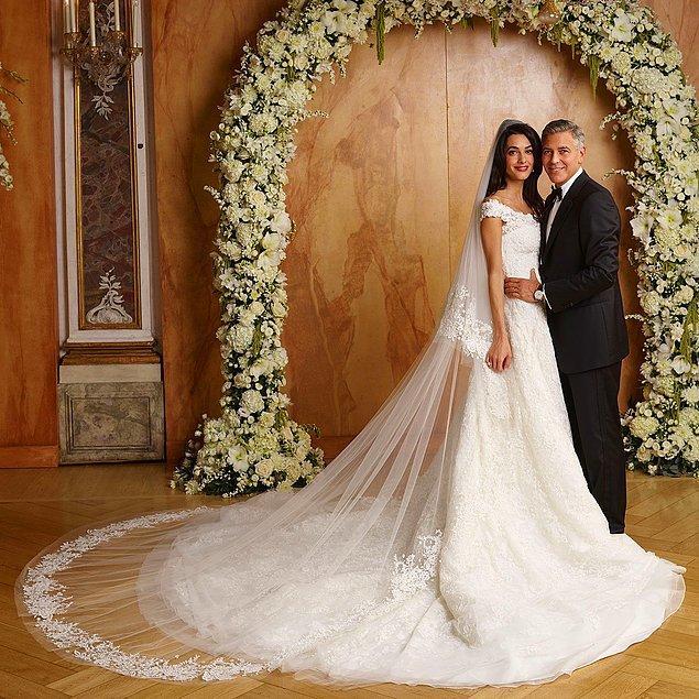 George Clooney 2014 yılında Amal Alamuddin ile evlendikten sonra Thames Nehri'ndeki özel bir adada 10 milyon sterlin değerinde bir ev satın aldılar.
