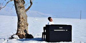 'Kusursuz Kulak' Bager, Karla Kaplı Ovada Piyano Çalma Hayalini Gerçekleştirdi