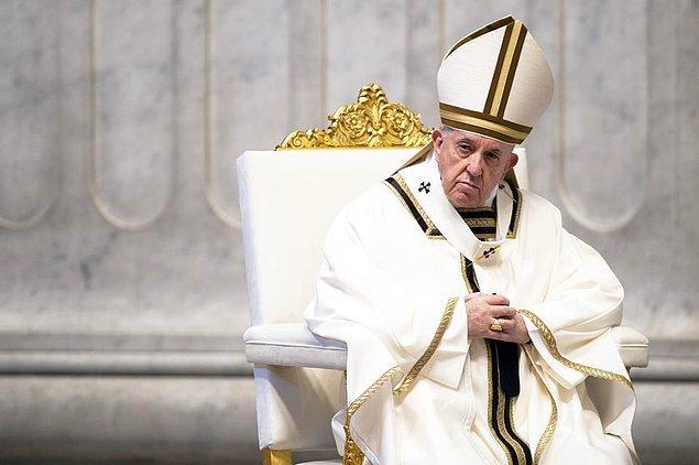 """7. """"5G teknolojisini Papa yönetiyor."""""""