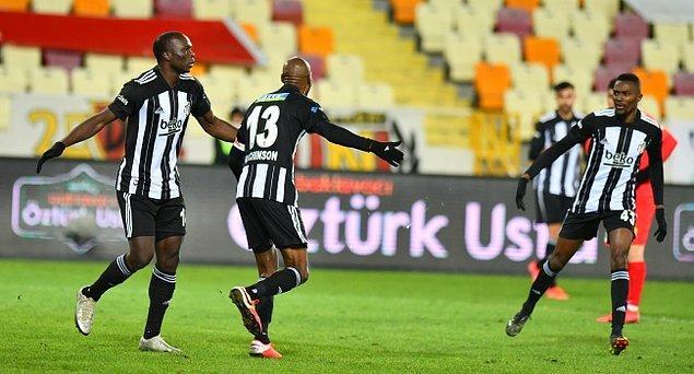 Siyah-beyazlı ekip karşılaşmayı 59. dakikada Atiba Hutchinson'ın attığı golle 1-0 kazandı.