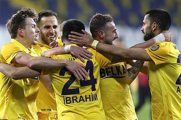 Ankaragücü ise altı maç sonra sahadan galibiyetle ayrıldı.