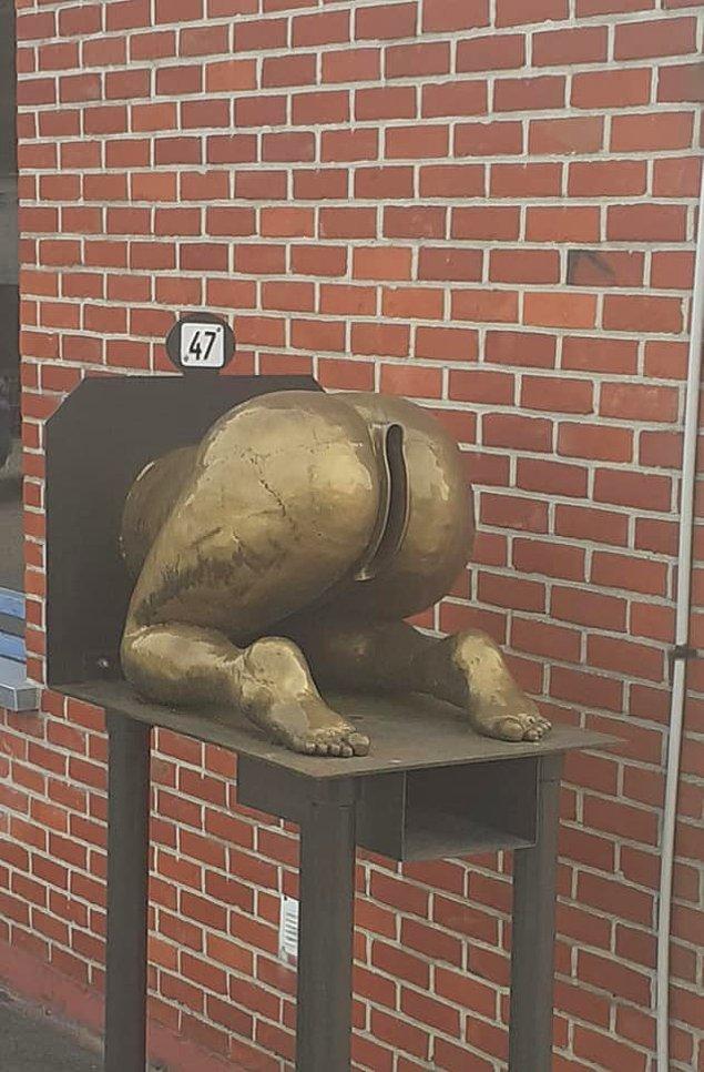 """5. """"Belçika'da sıradan bir posta kutusu..."""""""