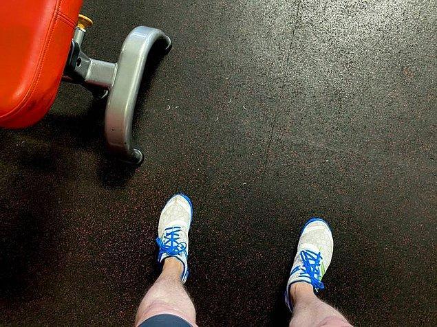 """2. """"Spor salonunda ayak tırnaklarını kesmek mantıklı mı bilemedim."""""""