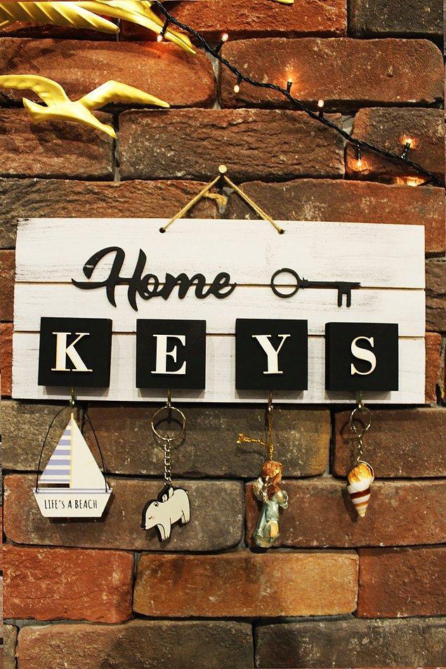 9. Kapının yanında bir anahtarlık unutkanlar için oldukça gerekli bir ürün.