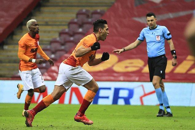 Galatasaray'ın 2 golünü de Falcao atarken,