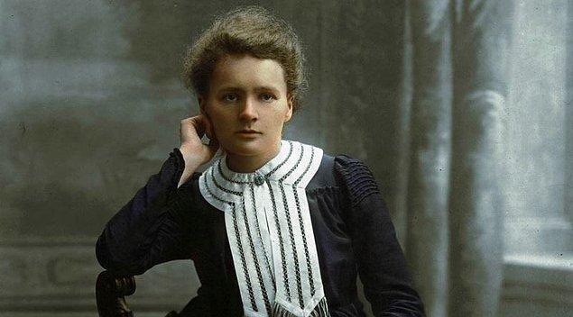 Marie Curie demişken işin bilimsel yönünün yanında sosyolojik yönüne de kısaca değinelim,