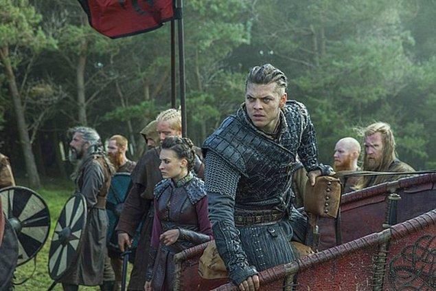 10. Ciddiyetiyle gözümüzü korkutan İvar Ragnarsson, Alex Høgh Andersen tarafından canlandırılıyor.