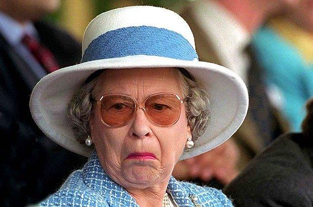 6. İngiltere'de Kraliçe o kadar kutsaldır ki onun tahttan mahrum bırakıldığını hayal etmek bile yasaktır.