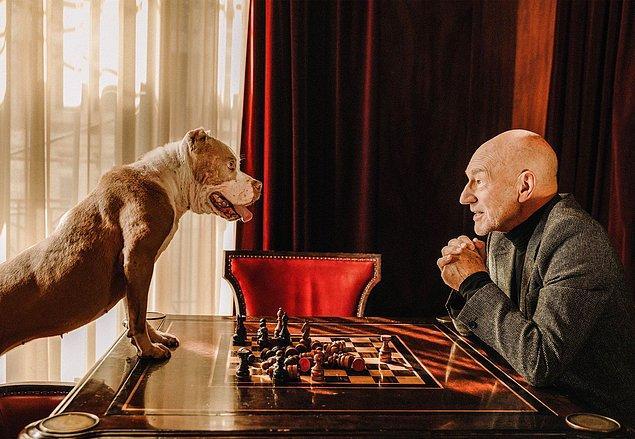 7. Sör Patrick Stewart satranç oynamayı bilmiyordu ta ki X-Men çekimlerinde öğrenene kadar.