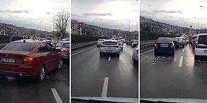 Bursa'da Yol İsteyen Ambulansın Kamerasına Yansıyan 'Sinir Bozucu' Görüntüler