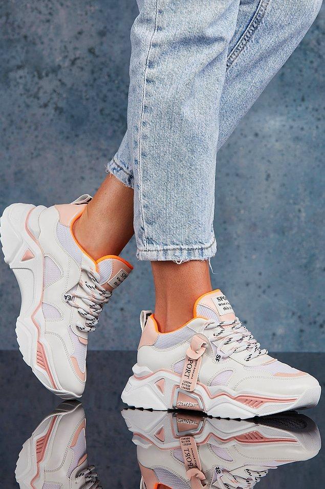 10. Uygun fiyatlı bir sneaker arıyorsan...