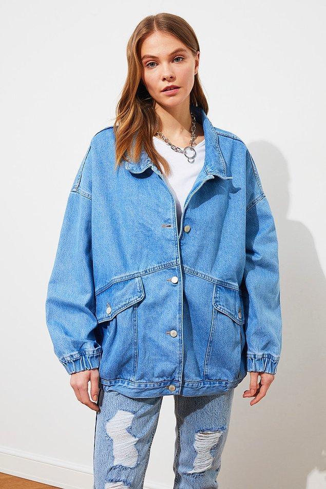 15. Bu oversize denim ceket size çok yakışacak.