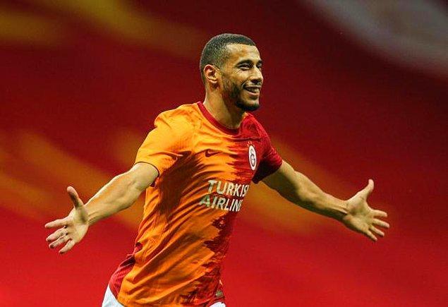 """Sivasspor maçından sonra Türk Telekom Stadı'nın zeminiyle ilgili konuşan Belhanda, """"Twitter'da dolanacaklarına zeminle ilgilensinler"""" diyerek yöneticileri eleştirmiş, ancak tercüman bu sözleri çevirmemişti."""