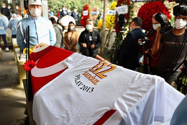Öztekin'in cenazesi, Zincirlikuyu Mezarlığı'na defnedildi.