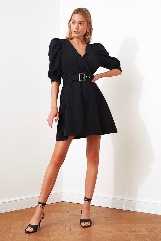 3. Kruvaze yaka giysinin tasarımındaki ekstra kumaşın, korsajın bir tarafından diğer tarafına geçerek bele oturmasıyla oluşur.