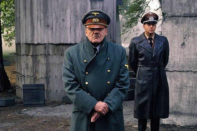 1. Der Untergang (2004)