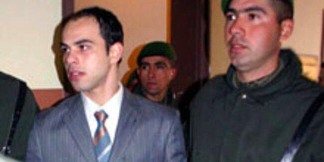 -2004 yılında İstanbul İnönü stadyumunda, Beşiktaş – Rizespor maçında, hayatında ilk kez maça gelen, Beşiktaş taraftarı 16 yaşındaki Cihat Aktaş'ın, yine Beşiktaş taraftarı olan, uyuşturucu bağımlısı üç kişinin bıçaklı saldırısı sonucu öldürülmesi.