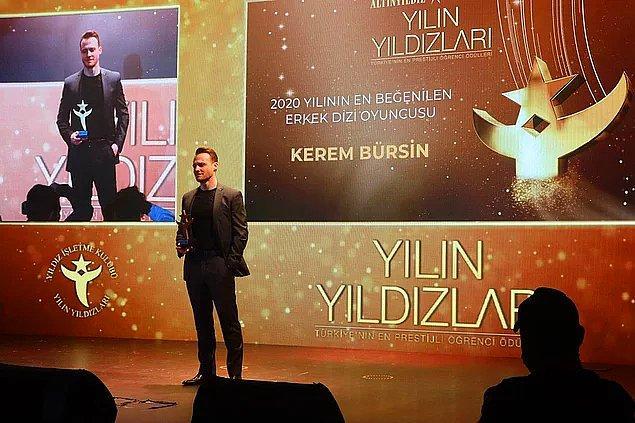 3. Bay J'nin sunucusu olduğu ödül töreninde en beğenilen erkek dizi oyuncusu ödülünü alan Kerem Bürsin ile ilgili söyledikleri ortalığı karıştırdı!