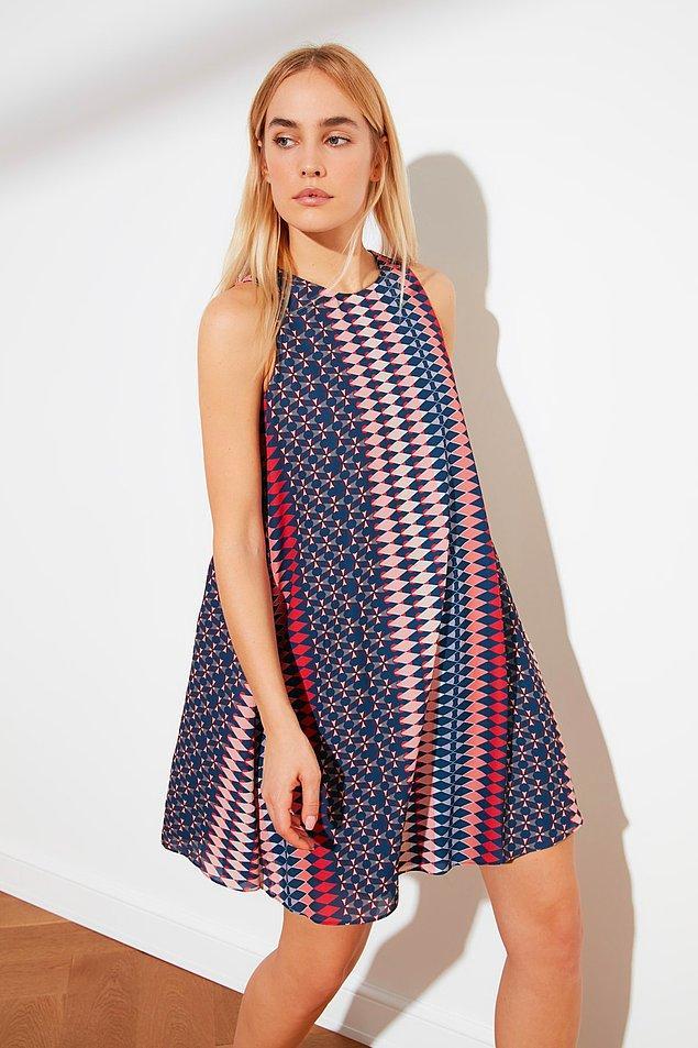 15. Tam yazlık bir elbise.