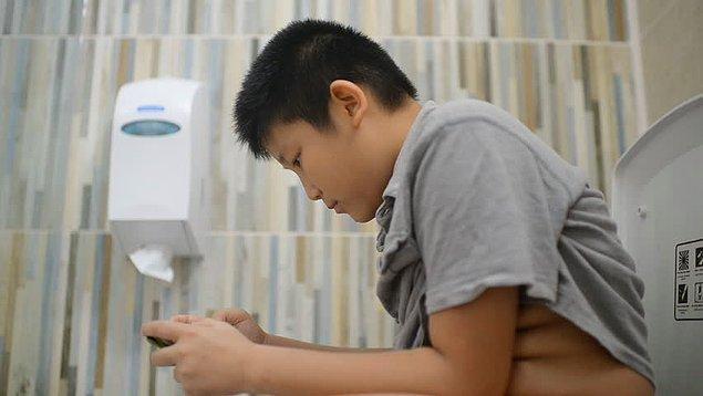 7. Tuvalete giderken telefonunu yanına alır mısın?