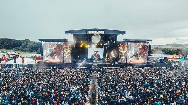 1. Download Festival