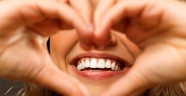 2. Kendinizi doğru ya da mutlu olmak arasında bir çatışma halinde bulursanız, mutlu olmayı seçin.  -Roz Townsend