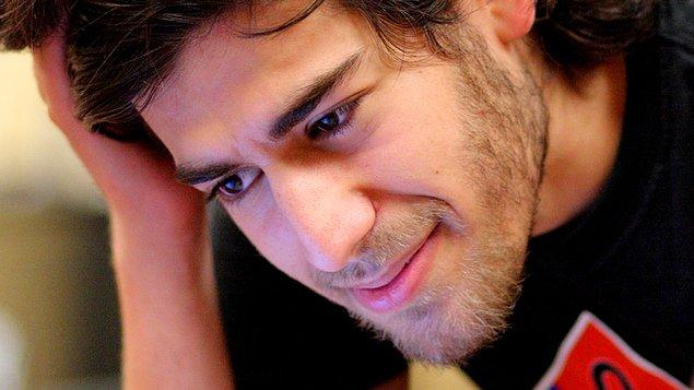 1. The Internet's Own Boy: The Story of Aaron Swartz (2014)