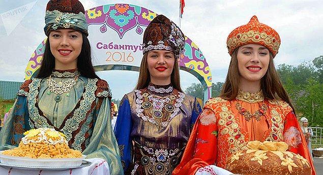 6. Bir diğer yoğun nüfusa sahip azınlık ise Gagavuz Türkleri.