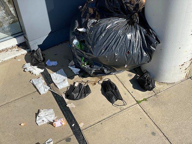 """5. """"Çöp kenarına yığılan kullanılmış maske atıkları..."""""""