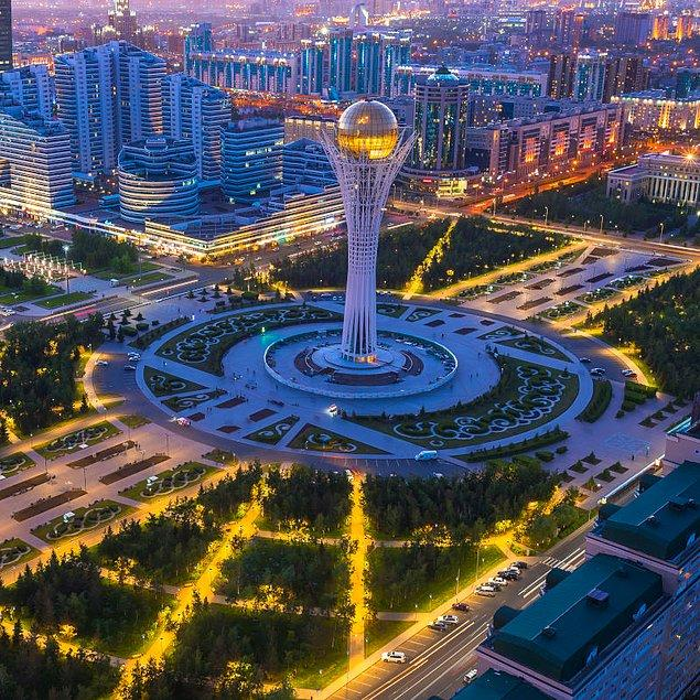 17. Ülkenin başkenti Astana, inanılmaz uzunluktaki gökdelenleri ile giderek daha iddialı ve fütüristik hale geliyor. Bunlar arasında, ünlü İngiliz mimar Norman Foster tarafından tasarlanan 150 metrelik Bayterek Kulesi ve Barış Uyum Sarayı yer alıyor