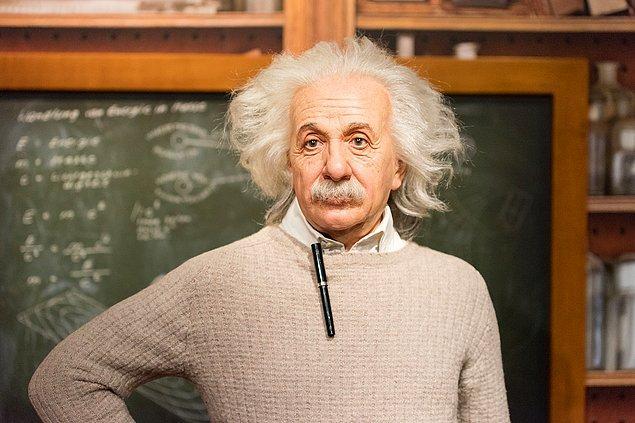 14. Albert Einstein'a İsrail cumhurbaşkanlığı teklif edilmişti, fakat o bu teklifi geri çevirmiştir.