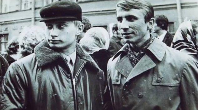 3. St. Petersburg Devlet Üniversitesi'nde Hukuk eğitimi aldı ve sonra KGB adına Almanya'da gizli casus olarak çalışıp Sosyalist Doğu Almanya'nın çöküşüne yol açan isyanlarda faaliyet gösterdi.