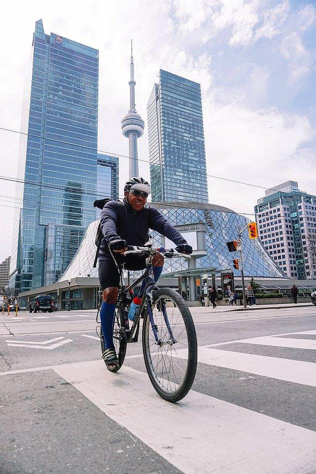 """10. """"Almanya'da günlük ulaşım için çok fazla bisiklet kullanılır. Bisiklet yoluna ve zillere dikkat etmeyi unutmayın. Bu konuda ceza bile yemeniz mümkün."""""""