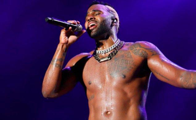 Acun Ilıcalı, birleşme partisine son zamanlarda özellikle TikTok'ta oldukça aktif olan ve viral şarkılarla kimsenin dilinden düşmeyen şarkıcı Jason Derulo'yu getireceğini söylemişti.