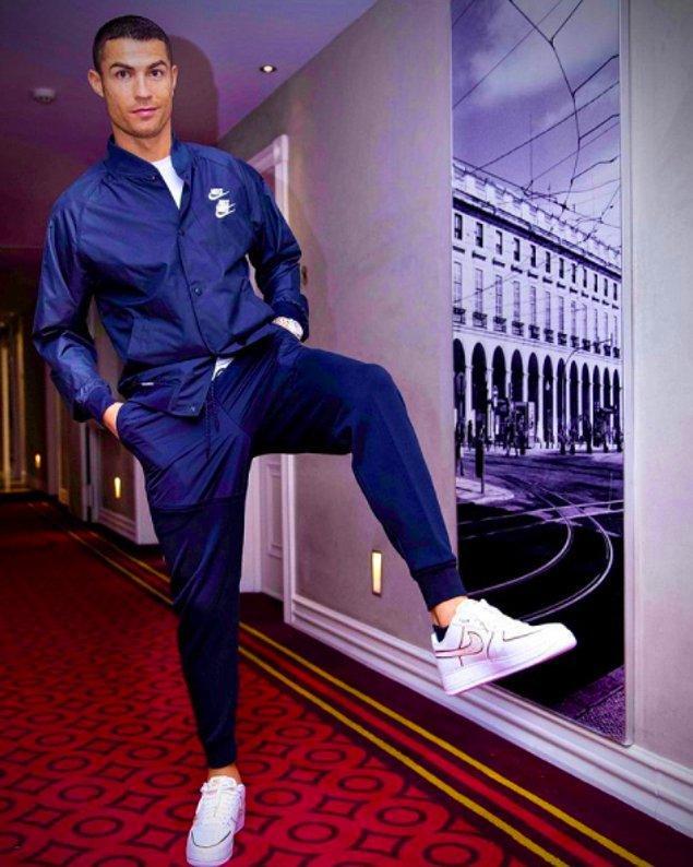 3. Christiano Ronaldo - 889.000 Dolar