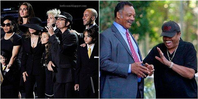 3. Micheal Jackson'ın cenaze töreninde yakınlarının pek de üzgün gibi durmaması, sahnede ve tören sonrası gizli gizli gülmeleri de birçok insanın şüphesini arttırdı ve canını sıktı.