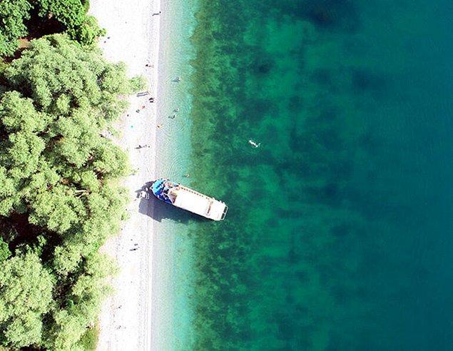 Kate Rubins tarafından 2016'da çekilen fotoğrafta, Van Gölü'nün en büyük sodalı göl olduğu bilgisi yer aldı
