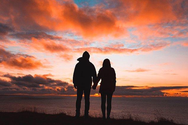 İlişkilerde yaşadığımız güzel anların yanında olumsuz deneyimlerimizin ardından ilişkilerimizi yürütemediğimiz zamanlar oluyor.