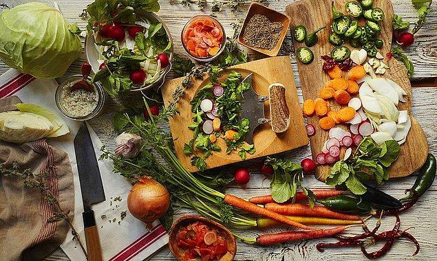 2. Meyve-sebze ağırlıklı sağlıklı bir beslenme biçimini seçmek