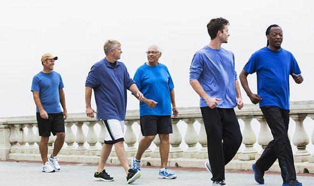 4. Hareketsizlikten kaçınarak günlük fiziksel aktiviteleri artırmak