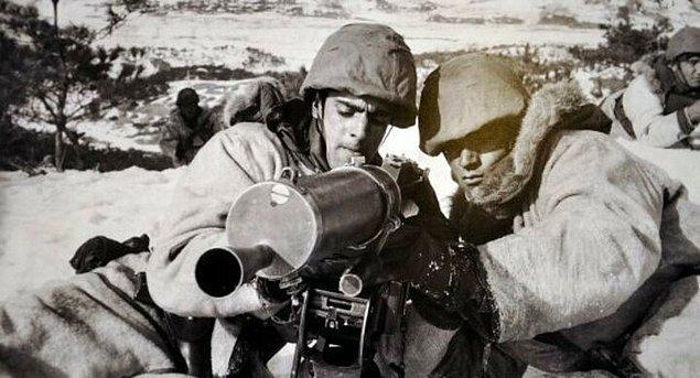 Wawon Savaşı olarak da adlandırılan bu savaşın başında bir Amerikan telsiz aracının tamirini bekleyen takım baskına uğrar. Bu baskında iki subay ve birkaç er dışında kurtulan olmaz.
