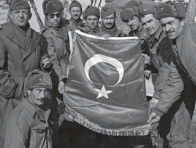 27 Temmuz 1953'te Kore Savaşı sona erer. Türk Tugayları'nın toplam ölüm bilançosu 896 olur. Bunun yanında yaralılarla birlikte toplam kaybımız 3277'dir.