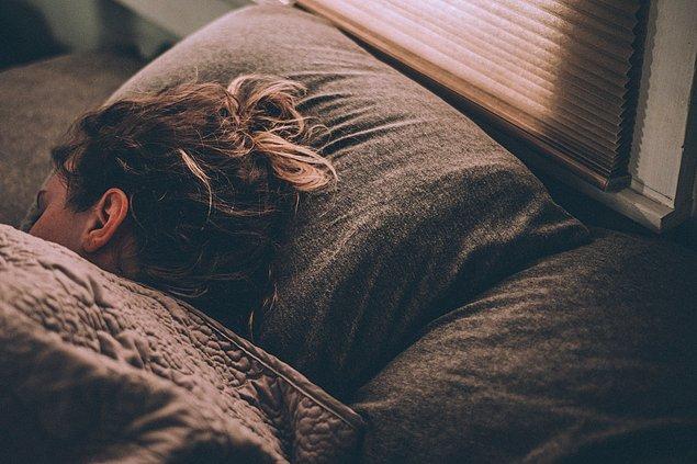 Bağışıklık sistemimiz için gerekli olan hormonlar uyku esnasında salgılanır.